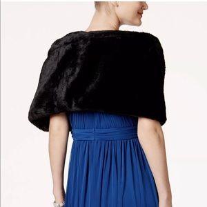 SLNY Faux-Fur Black Wrap One Size
